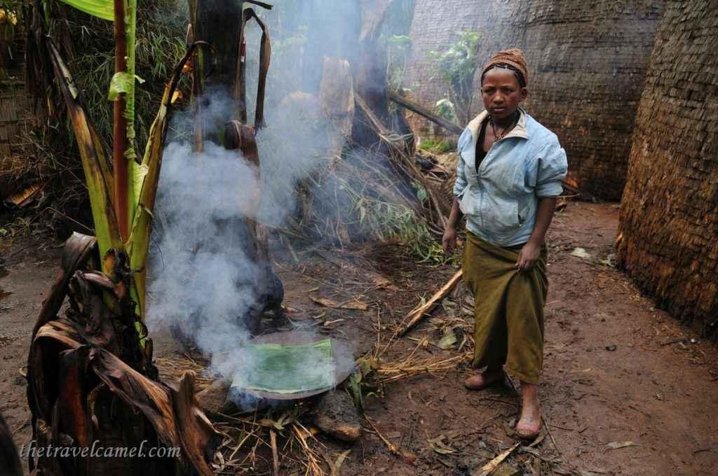 Cooking bread Dorze, Ethiopia